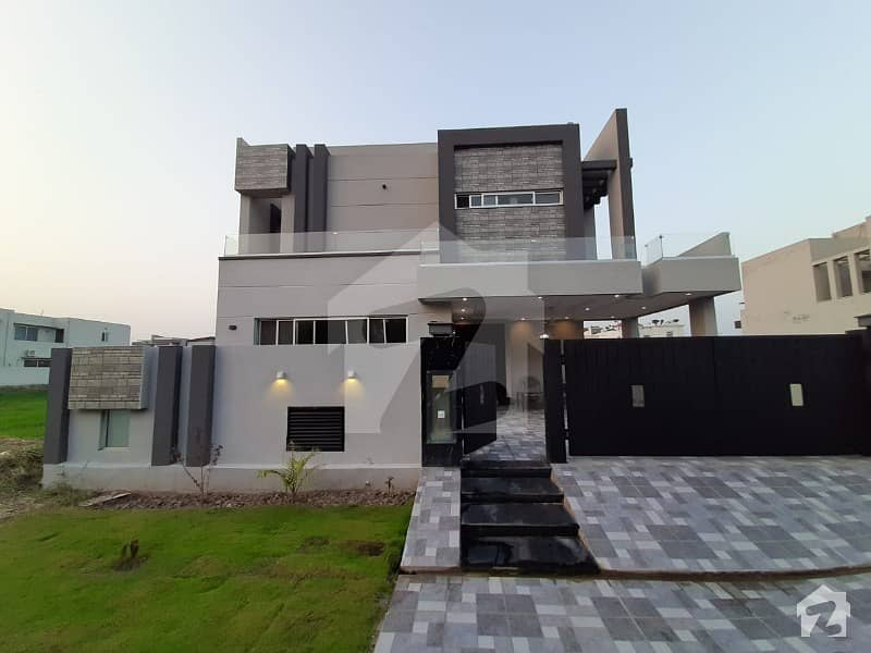 10 Marla Facing Park Newly Build House In Dha Phase 7