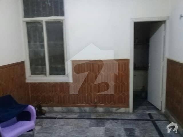 مری روڈ اسلام آباد میں 2 کمروں کا 4 مرلہ فلیٹ 38 لاکھ میں برائے فروخت۔