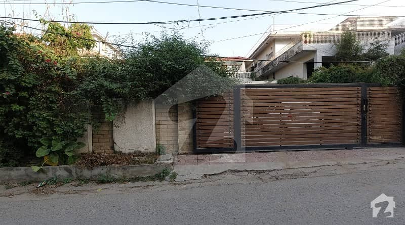 18-Marla House With Excellent Architecture Is Available For Sale In Saadi Road Saddar Rawalpindi