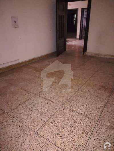 ایف ۔ 10/4 ایف ۔ 10 اسلام آباد میں 6 کمروں کا 2.04 کنال مکان 12.5 کروڑ میں برائے فروخت۔