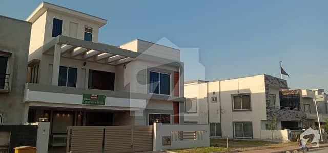 14 Marla Double Unit Back Boulevard House is Available For Sale