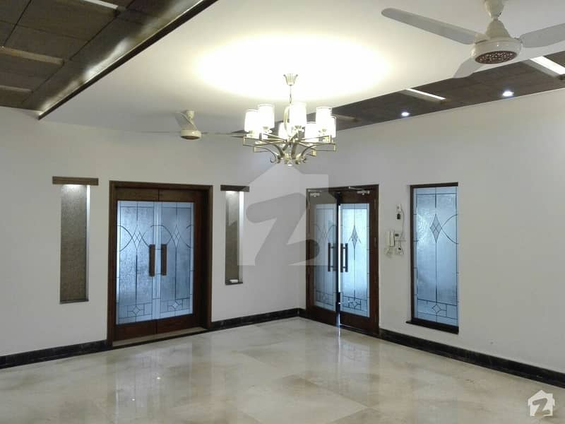 1 Kanal House Ideally Situated In Bahria Town