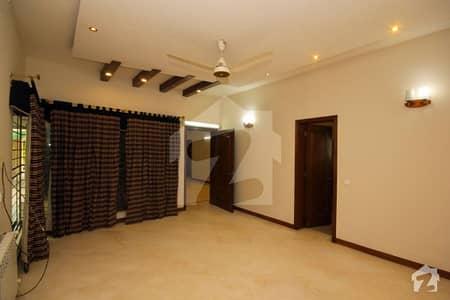 ڈی ایچ اے فیز 2 ڈیفنس (ڈی ایچ اے) لاہور میں 3 کمروں کا 1 کنال بالائی پورشن 55 ہزار میں کرایہ پر دستیاب ہے۔