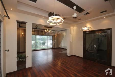 10 Marla House Most Elegant Design Available For Rent Top Location