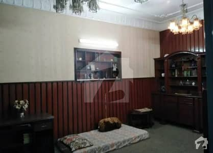 Allama Iqbal Town 10 Marla House For Sale Old House 30 Feet Road House