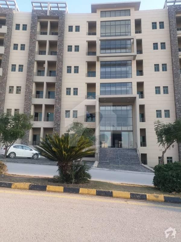 رانیا ہائٹس زراج ہاؤسنگ سکیم اسلام آباد میں 2 کمروں کا 4 مرلہ فلیٹ 68 لاکھ میں برائے فروخت۔