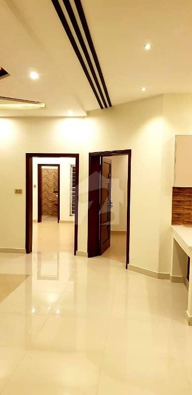 واپڈا ٹاؤن فیز 1 - بلاک کے2 واپڈا ٹاؤن فیز 1 واپڈا ٹاؤن لاہور میں 5 کمروں کا 10 مرلہ مکان 2.1 کروڑ میں برائے فروخت۔