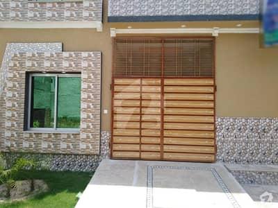 الرحمان گارڈن فیز 4 الرحمان گارڈن لاہور میں 4 کمروں کا 5 مرلہ مکان 1 کروڑ میں برائے فروخت۔