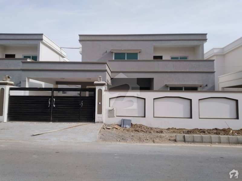 فالکن کمپلیکس نیوملیر ملیر کراچی میں 5 کمروں کا 1 کنال مکان 1.15 لاکھ میں کرایہ پر دستیاب ہے۔