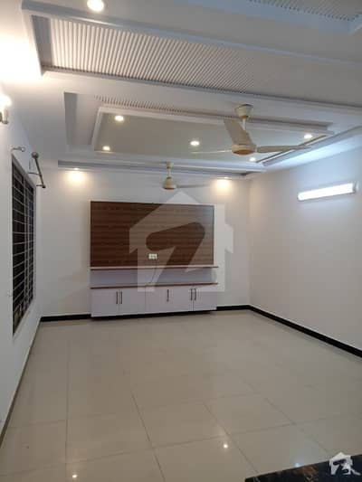 16 Marla New Full House 4 Bed Attach Bath Double Kitchen Double Tv Launch Drawing Fully Tile Independent House
