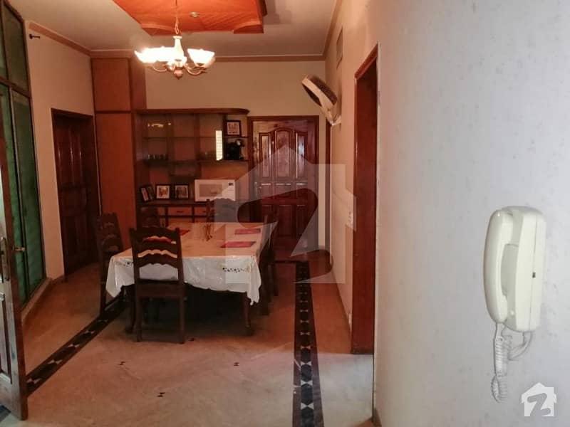 ڈی ایچ اے فیز 3 ڈیفنس (ڈی ایچ اے) لاہور میں 1 کمرے کا 1 مرلہ کمرہ 25 ہزار میں کرایہ پر دستیاب ہے۔