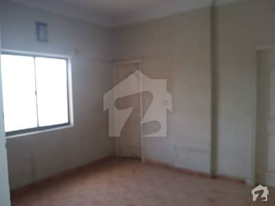 2 Bed DD Flat Available On Sale