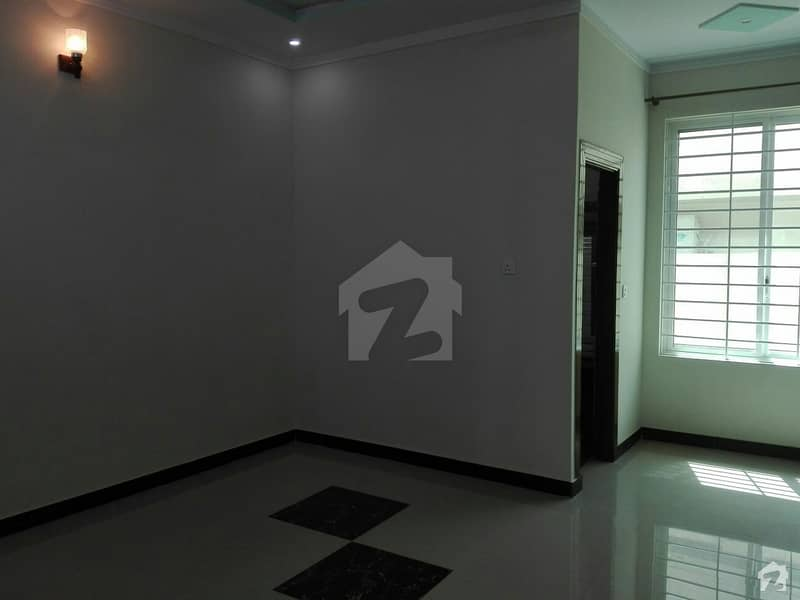 1800 Square Feet House Is Available For Sale