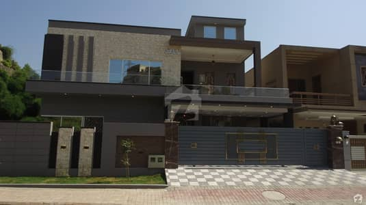 1 Kanal 3 Side Open Designer House Available For Sale In Street 9A Phase 3