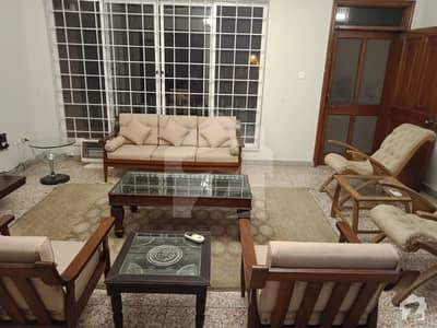 Fully Furnished Upper Portion In F7