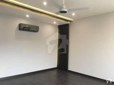 ڈی ایچ اے فیز 8 سابقہ ایئر ایوینیو ڈی ایچ اے فیز 8 ڈی ایچ اے ڈیفینس لاہور میں 4 کمروں کا 10 مرلہ مکان 1.3 لاکھ میں کرایہ پر دستیاب ہے۔
