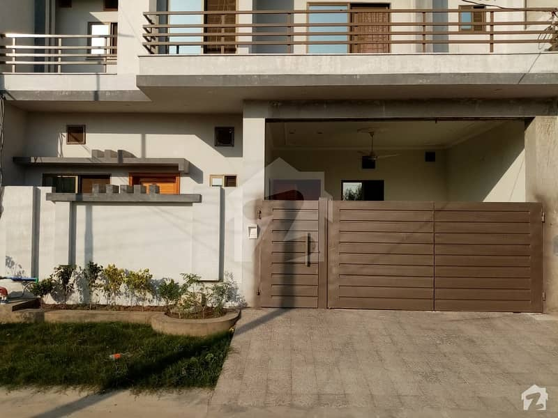 House Of 5.5 Marla In Khayaban-e-Manzoor For Sale