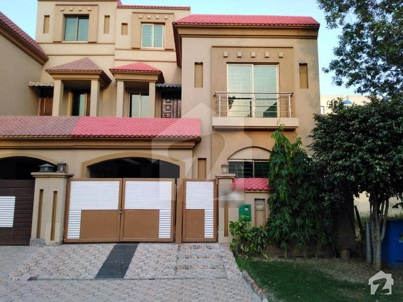 Bahria Nasheman House For Sale Sized 5 Marla