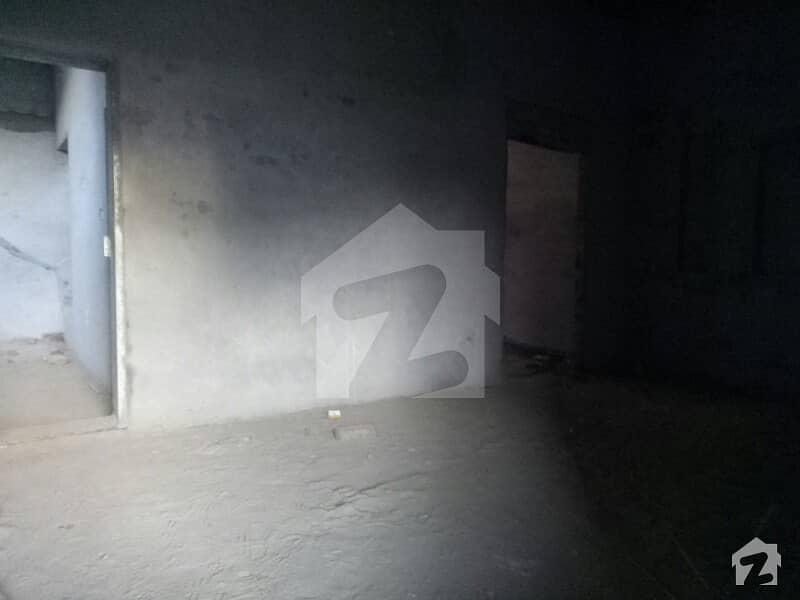 ملتان پبلک سکول روڈ ملتان میں 4 کمروں کا 7 مرلہ مکان 60 لاکھ میں برائے فروخت۔