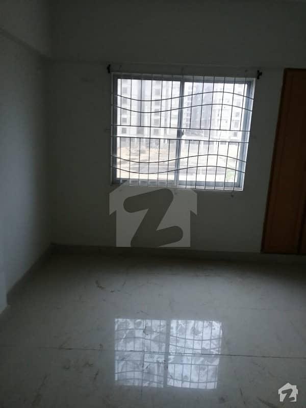 جناح ایونیو کراچی میں 2 کمروں کا 3 مرلہ فلیٹ 68 لاکھ میں برائے فروخت۔