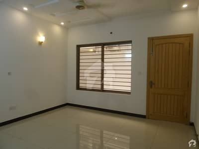 2800 Square Feet Lower Portion Is Available For Rent In I-8