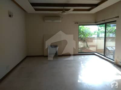 Kanal 5 Master Bed Room Luxury Bungalow  For Rent