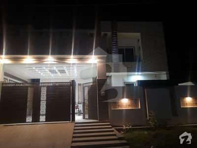 ایڈن گارڈنز فیصل آباد میں 5 کمروں کا 12 مرلہ مکان 3 کروڑ میں برائے فروخت۔