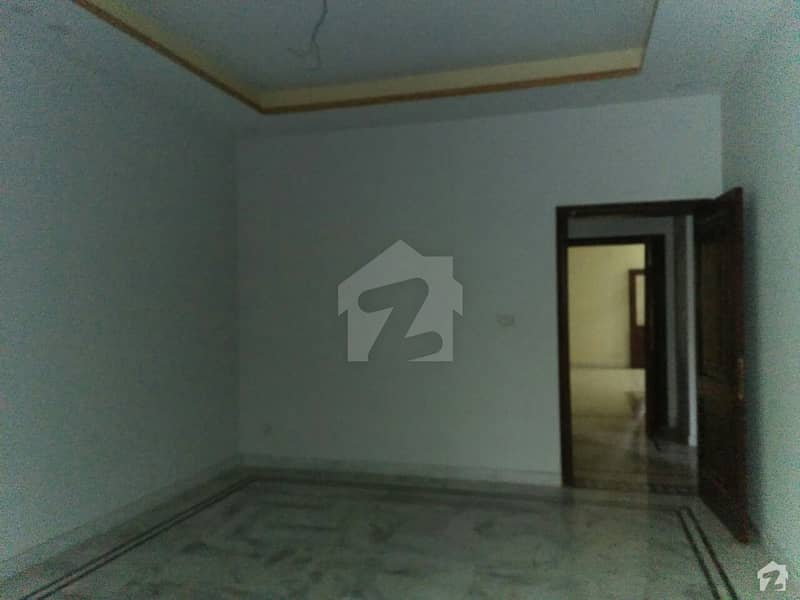 1 Kanal Lower Portion In EME Society For Rent At Good Location