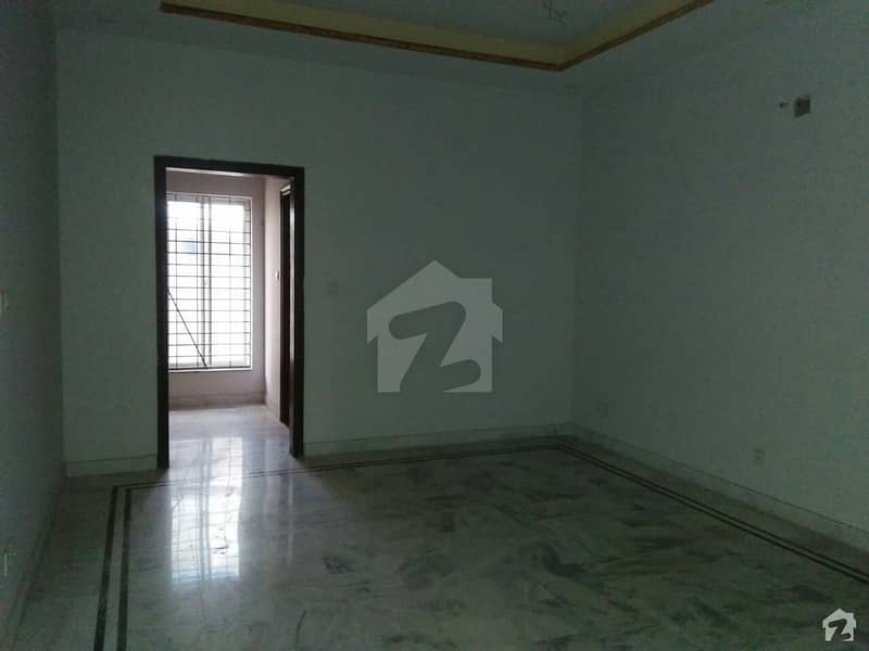 In EME Society 1 Kanal Lower Portion For Rent