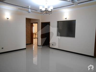 Good 3200 Square Feet Lower Portion For Rent In I-8