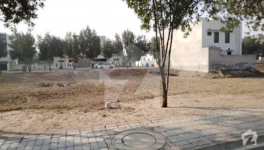 بحریہ ٹاؤن رفیع بلاک بحریہ ٹاؤن سیکٹر ای بحریہ ٹاؤن لاہور میں 10 مرلہ رہائشی پلاٹ 83 لاکھ میں برائے فروخت۔