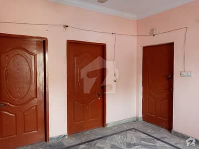 Flat Of 675  Square Feet In Farid Town For Rent