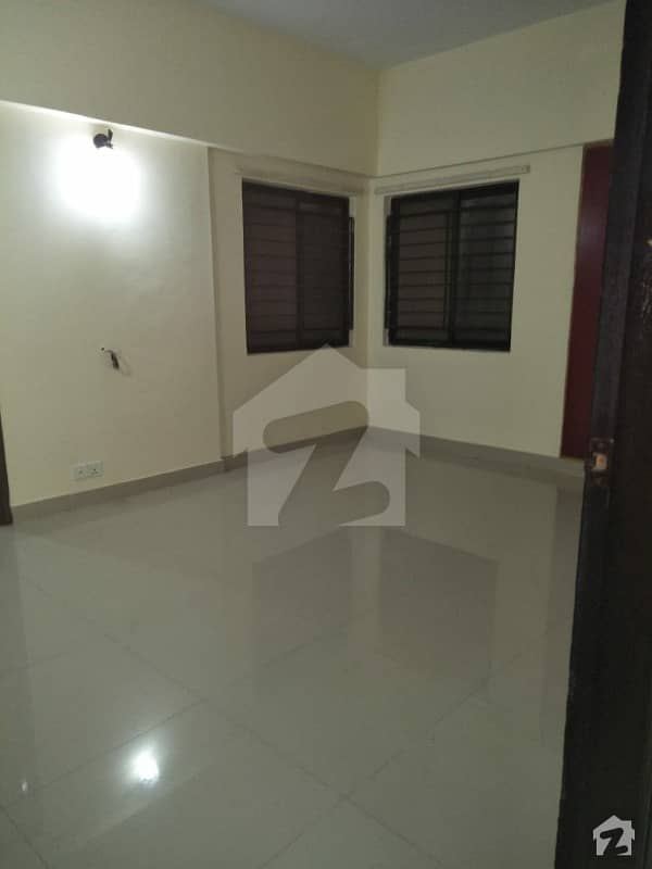 3 Bedrooms 1800 Sq. Ft Flat For Sale
