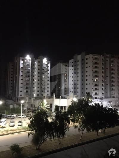 جناح ایونیو کراچی میں 3 کمروں کا 7 مرلہ فلیٹ 1.35 کروڑ میں برائے فروخت۔