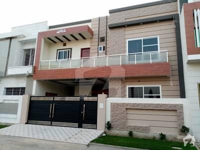 جیون سٹی - فیز 4 جیون سٹی ہاؤسنگ سکیم ساہیوال میں 4 کمروں کا 8 مرلہ مکان 1.5 کروڑ میں برائے فروخت۔