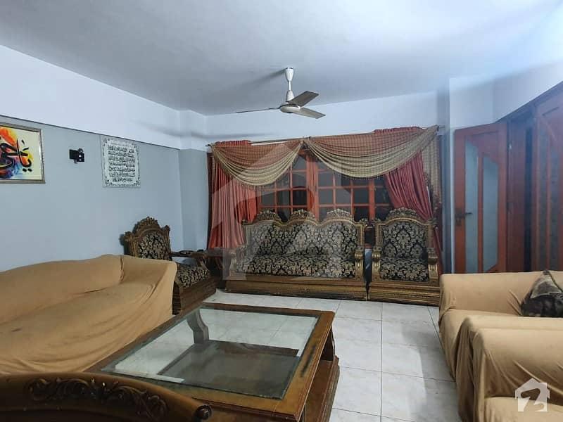 کلفٹن ۔ بلاک 5 کلفٹن کراچی میں 3 کمروں کا 7 مرلہ فلیٹ 2.8 کروڑ میں برائے فروخت۔