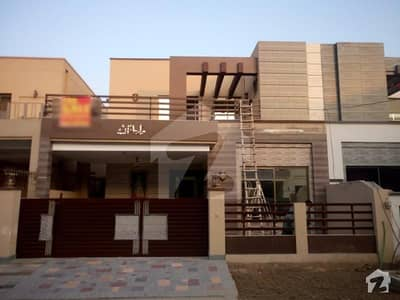 10 Marla House In Central Divine Gardens For Sale