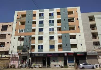 بخاری کمرشل ایریا ڈی ایچ اے فیز 6 ڈی ایچ اے ڈیفینس کراچی میں 3 کمروں کا 7 مرلہ فلیٹ 1.95 کروڑ میں برائے فروخت۔