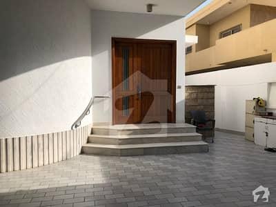 کلفٹن ۔ بلاک 7 کلفٹن کراچی میں 8 کمروں کا 1.2 کنال مکان 15.5 کروڑ میں برائے فروخت۔