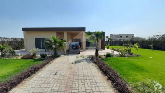 4 Kanal Farm House In Cantt For Sale