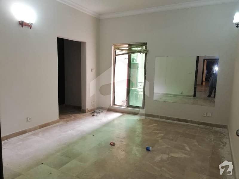 ایچ ۔ 13 اسلام آباد میں 1 کمرے کا 3 مرلہ فلیٹ 36 لاکھ میں برائے فروخت۔