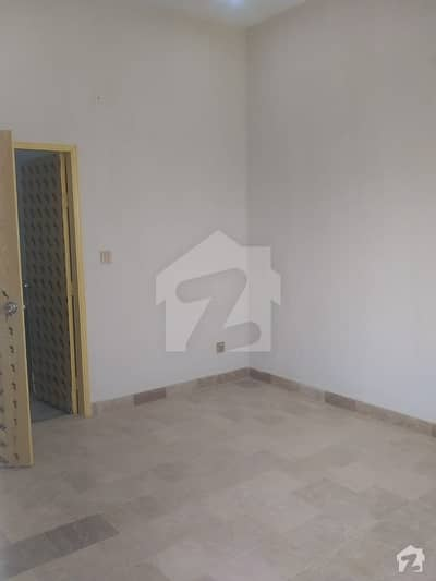 احسن آباد گداپ ٹاؤن کراچی میں 2 کمروں کا 3 مرلہ بالائی پورشن 33 لاکھ میں برائے فروخت۔