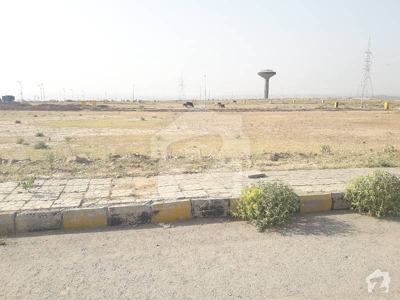 Perfect 900  Square Feet Commercial Plot In Dha Defence For Sale