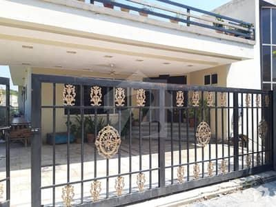 بحریہ ٹاؤن فیز 1 بحریہ ٹاؤن راولپنڈی راولپنڈی میں 6 کمروں کا 1.25 کنال مکان 6 کروڑ میں برائے فروخت۔