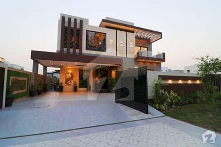 ڈی ایچ اے فیز 6 ڈیفنس (ڈی ایچ اے) لاہور میں 5 کمروں کا 1 کنال مکان 2.25 لاکھ میں کرایہ پر دستیاب ہے۔