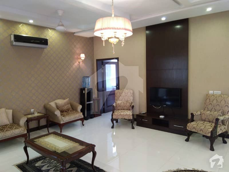 ابدالینزکوآپریٹو ہاؤسنگ سوسائٹی لاہور میں 5 کمروں کا 1.1 کنال مکان 5.5 کروڑ میں برائے فروخت۔