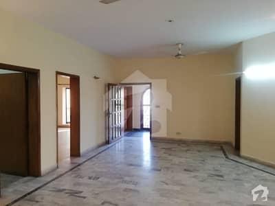 ڈی ایچ اے فیز 2 ڈیفنس (ڈی ایچ اے) لاہور میں 3 کمروں کا 1 کنال بالائی پورشن 45 ہزار میں کرایہ پر دستیاب ہے۔