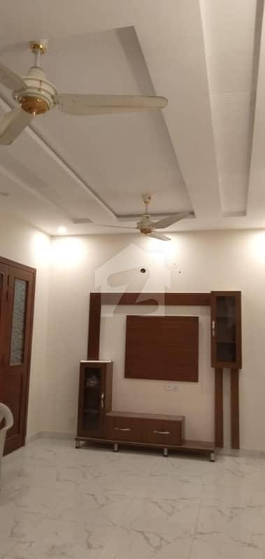 آرکیٹیکٹس انجنیئرز ہاؤسنگ سوسائٹی لاہور میں 3 کمروں کا 1 کنال بالائی پورشن 55 ہزار میں کرایہ پر دستیاب ہے۔