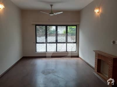 F-11 Full House For Rent 30x70 5 Bedroom With Attached Bath