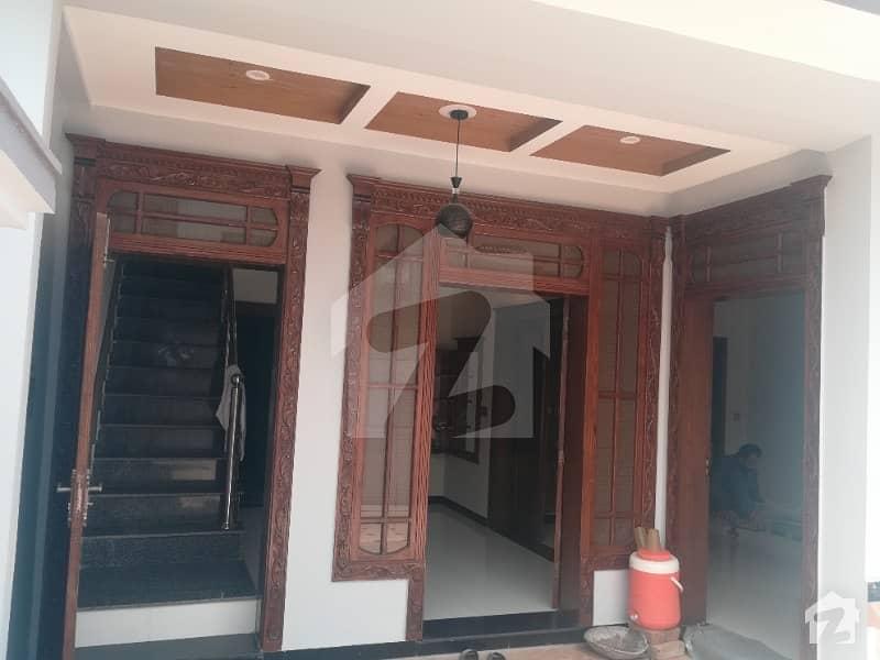 جی ۔ 13 اسلام آباد میں 4 کمروں کا 4 مرلہ مکان 1.6 کروڑ میں برائے فروخت۔